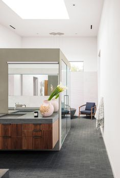 Photo 15 of 28 in Taula House by M Gooden Design - Dwell Modern Contemporary Bathrooms, Modern Bathroom, Master Bathroom, Wall Mounted Sink, Bathroom Styling, Wall Tiles, Natural Light, House Design, House Styles