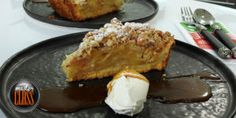 Apple pie with almond crumble Non Chocolate Desserts, Kinds Of Desserts, Apple Pear, Custard, Almond, French Toast, Deserts, Pie, Trifles