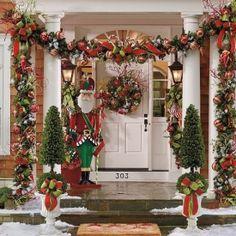 56 Amazing front porch Christmas decorating ideas! (image via Browzer)