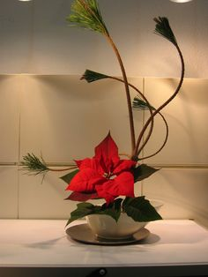Christmas ikebana from Ikiru by Rui Antunes