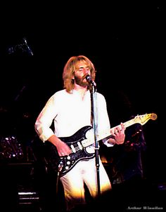The Life and Music of Andrew Gold - Mental Itch Andrew Gold, The Life, Music Artists, Concert, People, Singers, June, Stars, Musica