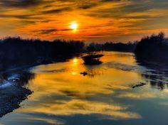 Sunrise on River in Romania Transylvania Romania, Winter Sunset, Future Travel, The Good Place, Past, Sunrise, River, Explore, Adventure