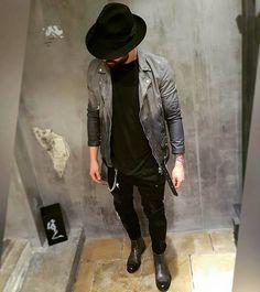 In ❤ with this new leatherjacket by @bfashion_regensburg 🔥 ••• Don't forget to follow the crew:  @mc_lovelyn @stdllks  @orlando_flo  @dominik.blvck  @igor.goo ••• ••• #ootd #outfitoftheday #lookoftheday #fashion #fashiongram #style #lookbook #wiwt #whatiwore #whatiworetoday #ootdshare #outfit #clothes #mylook #fashionista #todayimwearing #instastyle #instafashion #outfitpost #fashionpost #todaysoutfit #nürnberg #münchen #regensburg #munich #bfashionrgb #stayclassy
