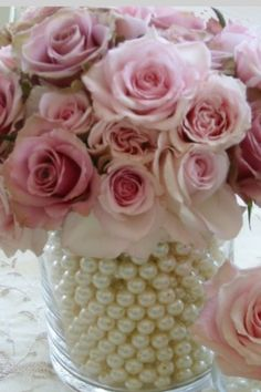 Perfect to put in the center of the tables of the guests wedding or 15th birthday.