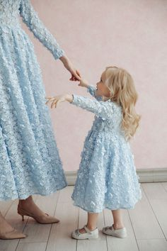 Kids Dresses For Weddings A-Line Sweetheart Black Short Homecoming Dress with Short Sleeves Mommy Daughter Dresses, Mother Daughter Fashion, Little Dresses, Little Girl Dresses, Girls Dresses, Prom Dresses, Wedding Dresses, Mom And Baby Outfits, Kids Outfits