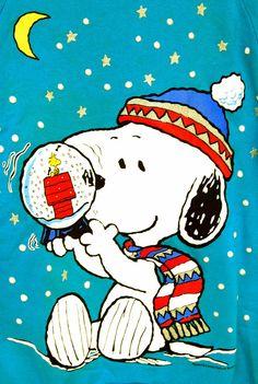 WOODSTOCK IN A SNOWGLOBE #christmas