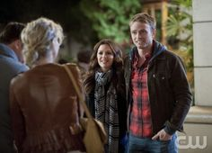 "Hart of Dixie -- ""Islands in the Stream"" -- Pictured (L-R): Rachel Bilson as Dr. Zoe Hart and Wilson Bethel as Wade -- Photo: Jamie Trueblood/The CW -- © 2013 The CW Network, LLC. All rights reserved."