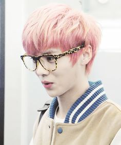 Luhan with gulali hair LOL