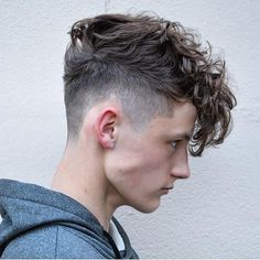 Messy Textured Curly Hair Men - Best Messy Hairstyles For Men: Cool Short, Medium and Long Messy Hair For Guys Hairstyles For Teenage Guys, Cool Hairstyles For Men, Haircuts For Men, Retro Hairstyles, Popular Hairstyles, Men's Haircuts, Medium Haircuts, Boys Haircuts Curly Hair, Boys Haircuts 2018