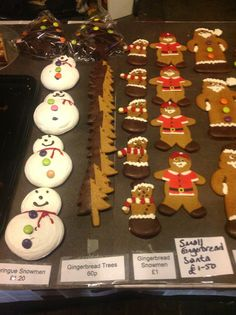 . Manchester Christmas Markets, Gingerbread Cookies, Desserts, Food, Gingerbread Cupcakes, Tailgate Desserts, Deserts, Essen, Postres