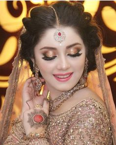 Pakistani Bridal Makeup Hairstyles, Pakistani Makeup, Pakistani Bridal Dresses, Wedding Hairstyles, Bridal Makeup Looks, Bridal Beauty, Bridal Looks, Wedding Makeup, Bridal Mehndi Dresses