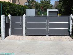 Front Gate Design, Steel Gate Design, Back Garden Design, House Gate Design, Main Gate Design, Door Gate Design, Gate Designs Modern, Modern Fence Design, Exterior Wall Cladding