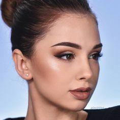 Glamorous lip products trending now. Denitslava Makeup, Beauty Makeup, Hair Beauty, Pretty Makeup, Makeup Looks, Perfect Makeup, Mascara Tutorial, Soft Wedding Makeup, Make Up Tutorial