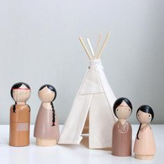 Dollhouse Teepee, tipi for doll house with peg dolls Dollhouse Teepee + Native American Dolls INCLUDES One Dollhouse Teepee, just under high + dolls. This is a small teepee, great for delicate play. This is a package deal that comes with 3 Wood Peg Dolls, Clothespin Dolls, Wood Toys, Doll Crafts, Diy Doll, Native American Dolls, American Girls, Kokeshi Dolls, Dolls Dolls