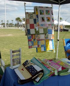 craft show setup quilt display ... maybe crib side next time?