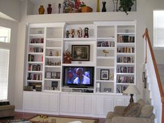 built in entertainment center with TV low Built In Entertainment Center, Entertainment Room, Design Blogs, Home Design, Tv Decor, Home Decor, Tv Stands, Built Ins, Family Room