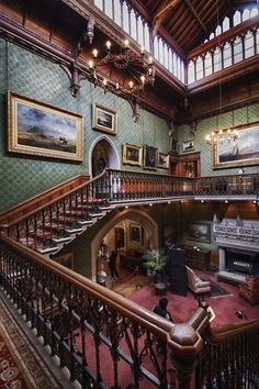 The stairs in the Victorian house have to extremely aesthetically pleasing, because I need that in my  house.