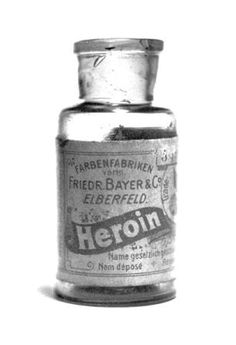 A bottle of Bayer's 'Heroin'. Between 1890 and 1910 heroin was sold as a non-addictive substitute for morphine. It was also used to treat children suffering with a strong cough. Now we say painkillers are medicine and heroin is junk. It's all junk! Old Poster, Vintage Poster, Vintage Advertisements, Vintage Ads, Vintage Oddities, Weird Vintage, Funny Vintage, Retro Ads, Vintage Labels