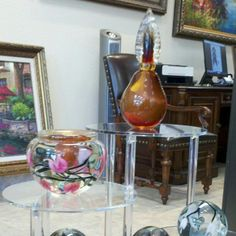 Timothy Lotton Glass on display on J.R. Mooney Galleries in Boerne, Texas