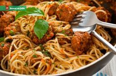 Italian Spaghetti Sauce with Meatballs Big, tasty beef meatballs are simmered in an easy Italian tomato sauce in this easy recipe A friend gave me the recipe for this traditional favorite. It's her Italian mother-in-law's recipe from Italian Spaghetti And Meatballs, Italian Sausage Meatballs, Baked Spaghetti, Meatball Recipes, Beef Recipes, Cooking Recipes, Gluton Free Dinners, Slow Cooker Turkey Meatballs, Italian Tomato Sauce