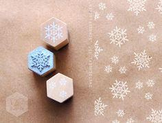 Stempel Schneeflocke für Deko und Geschenkverpackungen / cute snowflake stamp, christmas decoration by stadtwald via DaWanda.com