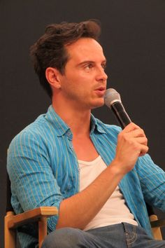 "babyblainers: "" Andrew Scott at the Apple store in Regent St, London. Sherlock Bbc, Sherlock Actor, Watson Sherlock, Sherlock Quotes, Martin Freeman, Benedict Cumberbatch, Chris Owen, John Simm, Matthew Healy"