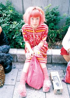 eBook-FRUiTS magazine No.014 Harajuku Fashion, 90s Fashion, Fashion Outfits, Japanese Streets, Japanese Street Fashion, Fruits Magazine, Human Poses Reference, Trendy Colors, Alternative Fashion