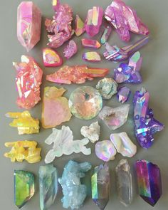 Enter the metaphysical world of crystals and gemstones, and learn how you can benefit from crystal healing, and use them in your daily life. Crystal Magic, Crystal Healing, Quartz Crystal, Crystals And Gemstones, Stones And Crystals, Gem Stones, Crystal Aesthetic, Crystal Collection, Rocks And Gems