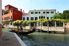 Near the Grand Canal, this villa offers its own private garden, a quiet setting, and a central location in Venice near the Accademia water-bus. Grand Canal, Places To Travel, Travel Destinations, Places To Go, Country Hotel, Villa, Private Garden, Venice Italy, Travel Around