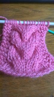 Pontos de Trico.: Trança sobre 12 pontos Knitting Stitches, Knitting Patterns Free, Stitch Patterns, Free Pattern, Crochet For Beginners, Sewing Hacks, Knit Crochet, Wool, Handmade