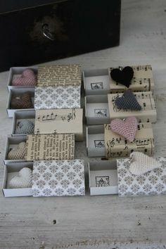 Matchboxes with crocheted hearts from andrella liebt herzen. Matchbox Crafts, Matchbox Art, Homemade Gifts, Diy Gifts, Arts And Crafts, Paper Crafts, Creation Deco, Little Boxes, Little Gifts