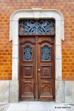 Dragon door, Vila Nova de Foz Côa, Portugal © Julie Dawn Fox