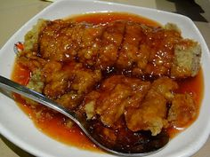 Plum Sauce Chicken Recipe Serves 4 Ingredients: 3 tablespoon of butter or margarine 6 chicken breast halves, skinned cup chinese plum sauce Salt and pepper Plum Sauce Chicken, Chicken Sauce Recipes, Cooking Chinese Food, Asian Cooking, Asian Recipes, Healthy Recipes, Chinese Recipes, Asian Foods, Thai Recipes