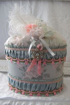Marie Antoinette style hat box no tutorial but good to just copy