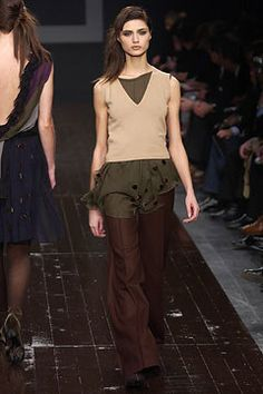 Alberta Ferretti Fall 2002 Ready-to-Wear Fashion Show - Alberta Ferretti, Maja Latinovic