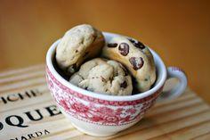 http://www.justeverydayme.com/wp-content/uploads/2011/12/cookie-dough-cookies-web3.jpg