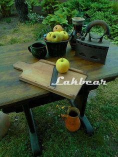 Lakbear has shared 1 photo with you! Kitchen Cart, Creative, Photos, Diy, Home Decor, Pictures, Decoration Home, Bricolage, Room Decor