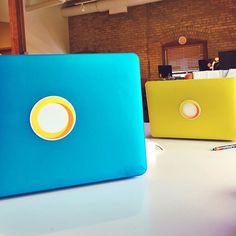 Dueling computers! Do you like Cause Blue or DIVI Yellow better?!