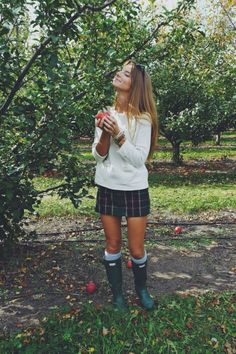 Red is going to be a huge trend for this fall season. From sweaters to boots, here are the top 10 cute fall outfits to wear to class! Cute Fall Outfits, Fall Winter Outfits, Autumn Winter Fashion, Winter Style, Casual Preppy Outfits, Preppy Style Girls, Preppy Fall Outfits Southern Prep, Preppy Outfits For School, Trendy Outfits