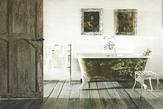 A House Romance: Elise Valdorcia, Artist and Decorator French Country House, French Farmhouse, French Country Decorating, Nottingham Cottage, Claw Foot Bath, Shabby Chic Style, Clawfoot Bathtub, Amazing Bathrooms, Luxury Interior