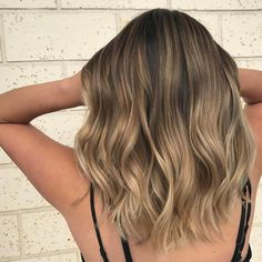 6 Great Balayage Short Hair Looks – Stylish Hairstyles Brown Ombre Hair, Brown Blonde Hair, Ombre Hair Color, Hair Color Balayage, Brunette Hair, Hair Highlights, Auburn Balayage, Balayage On Short Hair, Baylage Short Hair