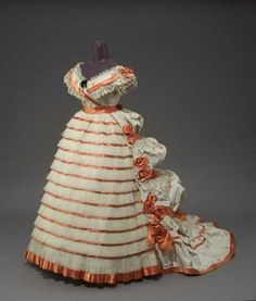 Woman's Evening Dress Made Of Silk Brocaded Taffeta, Tulle, Satin And Blond Lace, Made By Mme. Roger - French   c. 1865  -  Museum Of Fine Arts, Boston