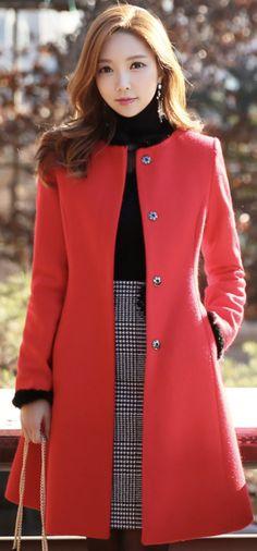 Mink fur trim belted wool blend collarless coat outfits i lo Look Fashion, Korean Fashion, Winter Fashion, Womens Fashion, Modele Hijab, Coat Dress, Work Attire, Feminine Style, Coats For Women