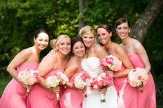 Подружки невесты и букеты