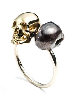 Talking heads, 18K Skull Ring by Hirotaka http://www.hiro-taka.com/collection/vanite/index.html