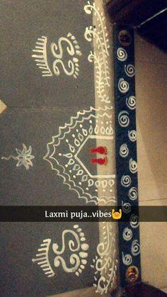 Jhoti Rangoli with rice powder mix! Rangoli Designs Flower, Rangoli Border Designs, Rangoli Designs Diwali, Rangoli Designs Images, Beautiful Rangoli Designs, Rangoli 2017, Rangoli Borders, Rangoli Patterns, Rangoli Ideas