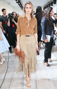 Olivia Palermo in a tan suede shirt, beige fringed skirt, tan fringed clutch & Aquazzura Sexy Thing nude suede sandals at NYFW Sept Celebrity style / fashion / New York Fashion Week. Estilo Olivia Palermo, Olivia Palermo Lookbook, Fringe Olivia, Look Fashion, Spring Fashion, Fashion Photo, Trendy Fashion, Suede Fringe Skirt, Leather Skirts