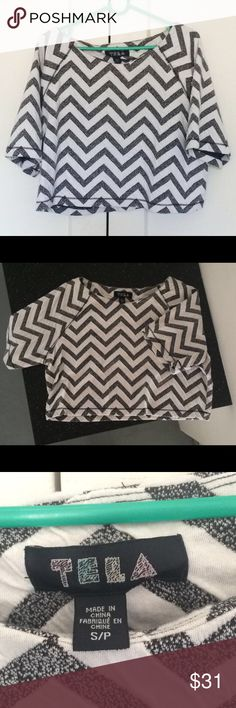 Urban Outfitters Chevron top Loose fit;  65% rayon, polyester, spandex, black and white chevron crop top Urban Outfitters Tops