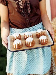 Apple-Cardamom Cakes with Cider Icing, http://www.countryliving.com/cooking/halloween-treats#slide-1