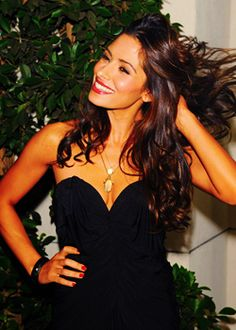 Sarah Shahi -----Persian: آهو جهانسوز سارا شاهی‎ is an American television actress and former NFL Cheerleader.